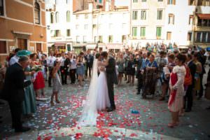 Venetian-Wedding-Photographer-Weddings-Santa-Maria-Gloriosa-dei-Frari